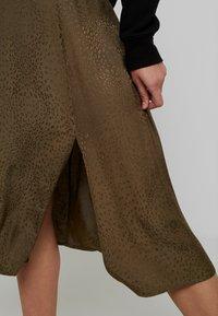 Gestuz - IRINA SKIRT - Maxi sukně - dark olive - 4