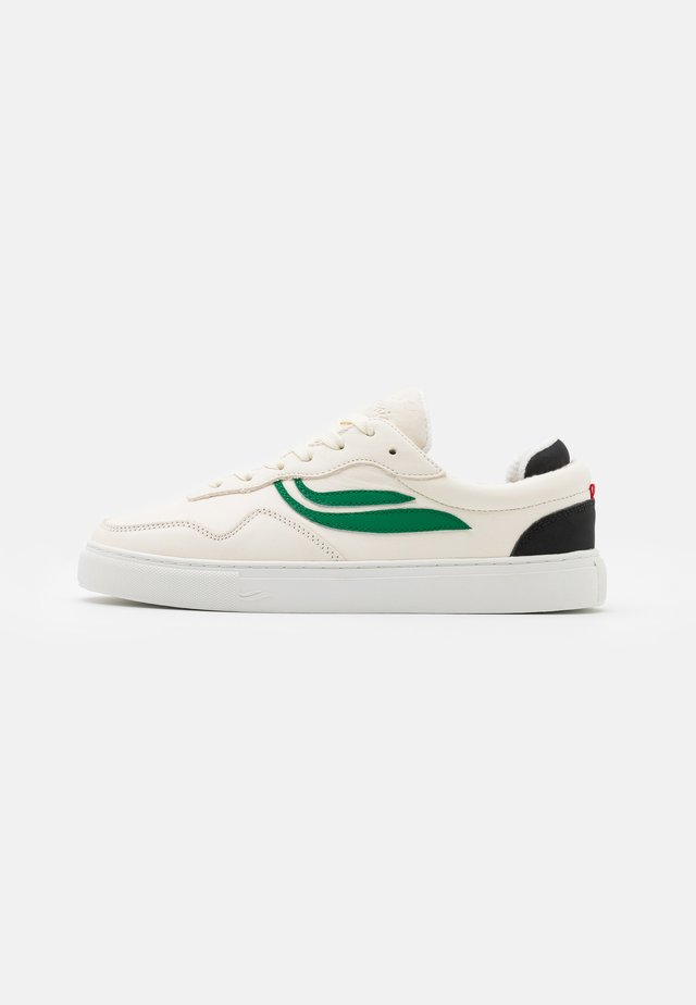 SOLEY UNISEX  - Sneakersy niskie - white/green/black