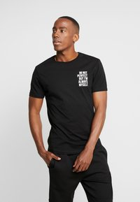 Pier One - T-shirt con stampa - black - 2
