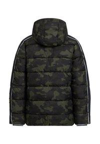 WE Fashion - MIT CAMOUFLAGEPRINT - Chaqueta de invierno - army green - 1
