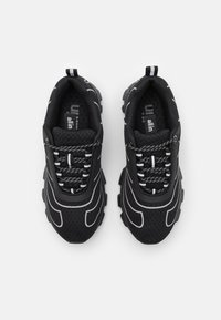 all in - TENNIS UNISEX - Trainers - black - 3