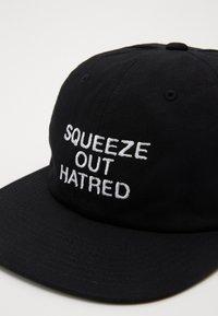 Obey Clothing - HATRED 6 PANEL STRAPBACK - Cap - black - 3