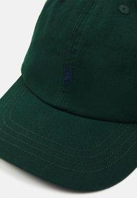 Polo Ralph Lauren - APPAREL ACCESSORIES UNISEX - Kšiltovka - college green - 3