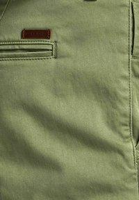 Jack & Jones - Shorts - deep lichen green - 6