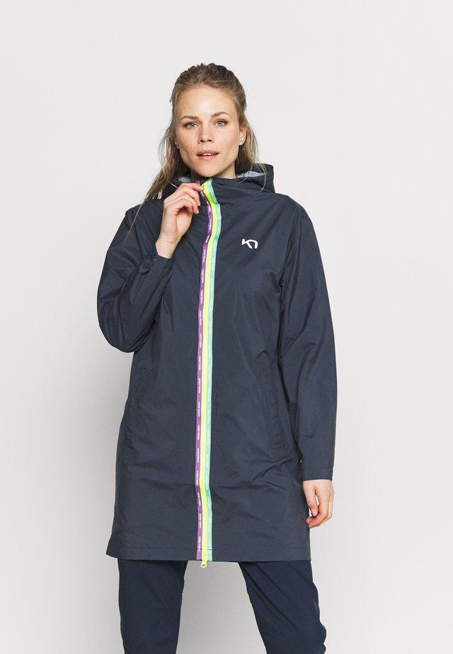 BRYN - Krótki płaszcz - marin