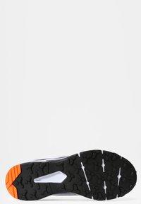The North Face - M VECTIV TARAVAL - Scarpa da hiking - tnf white/tnf black - 4