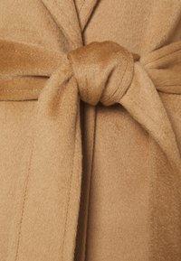 MAX&Co. - LONGRUN - Klasický kabát - camel - 8