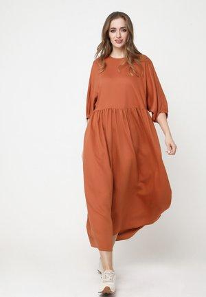 Maxi dress - ingwer