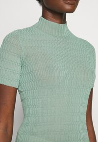 MRZ - KNIT TOP - Jednoduché triko - dusty green - 5