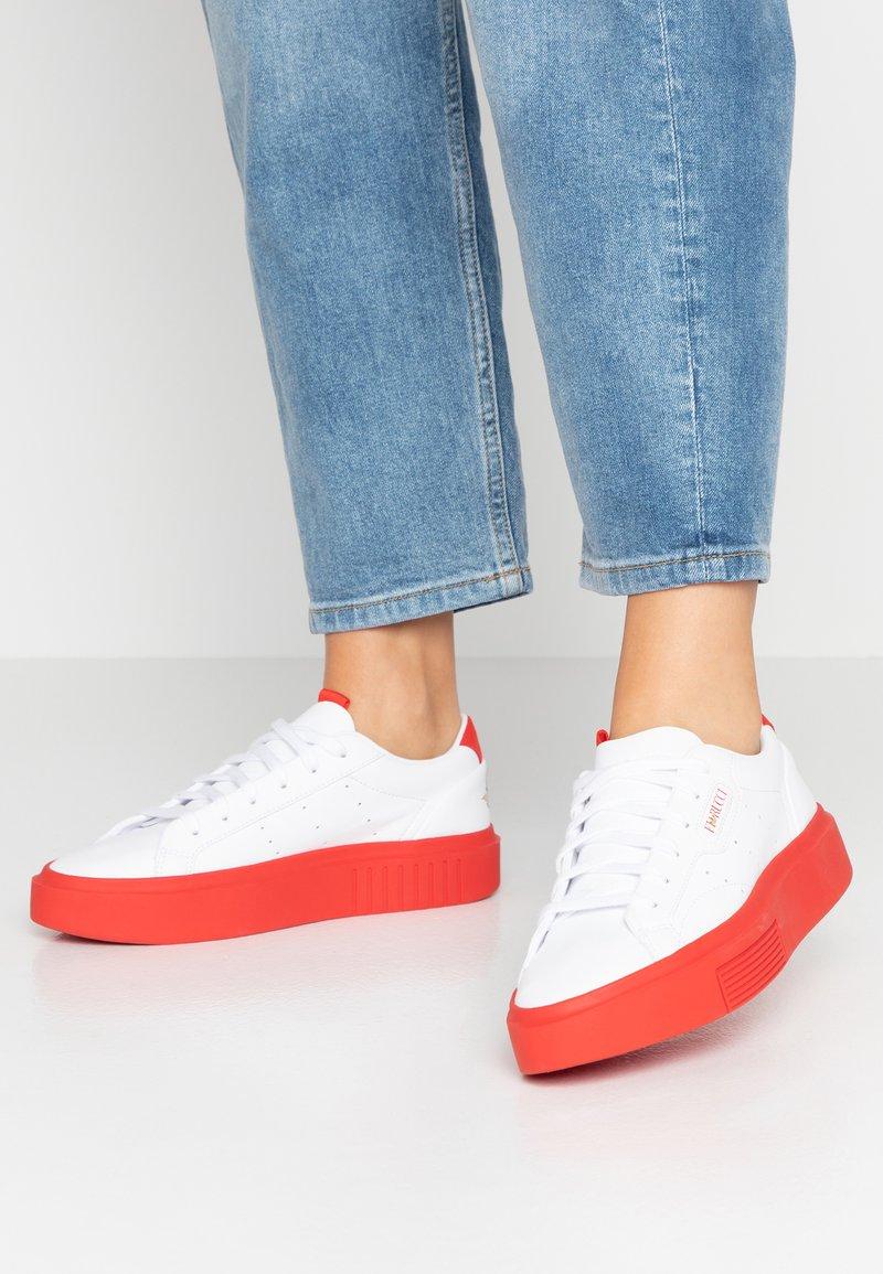 adidas Originals - SLEEK SUPER  - Trainers - footwear white/red/core black