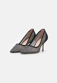 Stuart Weitzman - TASHA  - Classic heels - black - 2