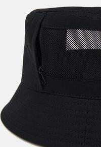 Calvin Klein Jeans - MONO BUCKET UNISEX - Klobouk - black - 3