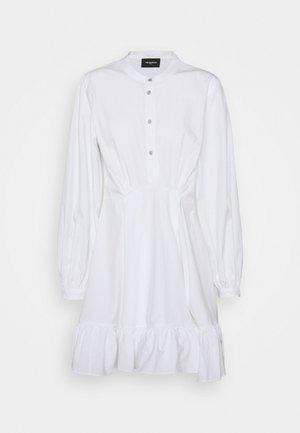 DRESS - Košilové šaty - white