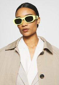 Versace - UNISEX - Solbriller - yellow - 3