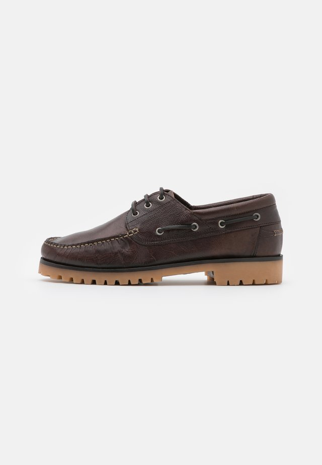 BENTO  - Boat shoes - brown