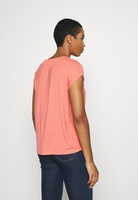 Vero Moda - Basic T-shirt - salmon - 2