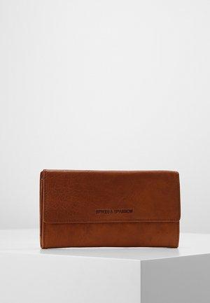 Wallet - brandy