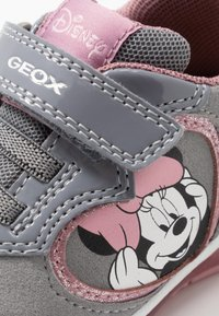 Geox - DISNEY TODO GIRL - Trainers - grey