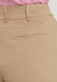 Diane von Furstenberg - SHIANA - Shorts - beige - 5