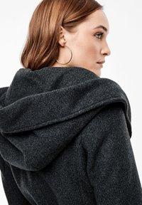 s.Oliver - MIT KAPUZE - Trenchcoat - dark grey melange - 5