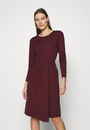 DRAPED FRONT A-LINE DRESS - Jersey dress - maroon