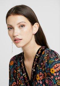 Leslii - Earrings - gold-coloured/rose - 1