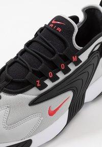 Nike Sportswear - ZOOM  - Sneakers - black/track red/grey/fogwhite - 5