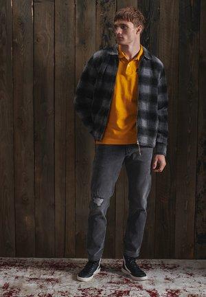 Straight leg jeans - columbus mid grey repair