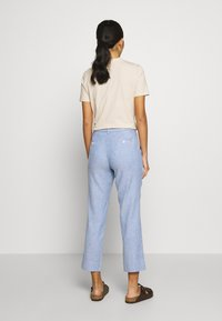 Banana Republic - AVERY SOLIDS - Trousers - sky blue - 2