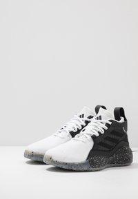 adidas Performance - ROSE 773 2020 - Basketbalové boty - footwear white/core black - 2