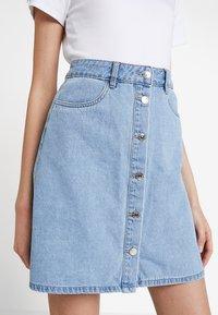 ONLY - ONLFARRAH SKIRT  - A-line skirt - light blue denim - 3