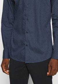 Selected Homme - SLHSLIMNEW MARK - Zakelijk overhemd - dark blue - 5