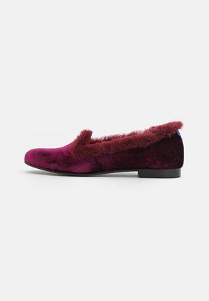 COSY  - Tohvelit - pink/burgundy
