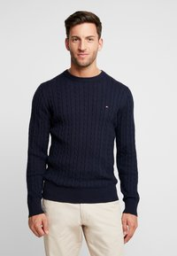 Tommy Hilfiger - CLASSIC CABLE CREW NECK - Neule - blue - 0
