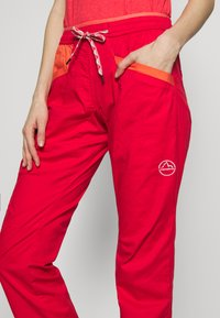 La Sportiva - TEMPLE PANT - Bukser - hibiscus/flamingo - 4