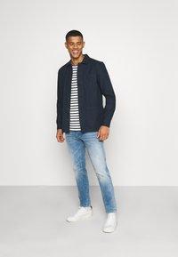 Burton Menswear London - LONG SLEEVE POCKET - Camicia - navy - 1