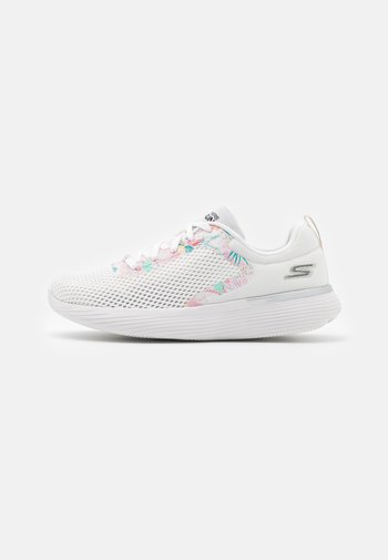 GO RUN 400 - Zapatillas de running neutras - white