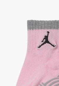 Jordan - LEGACY INFANT ANKLE 6 PACK - Sportovní ponožky - pink foam - 3