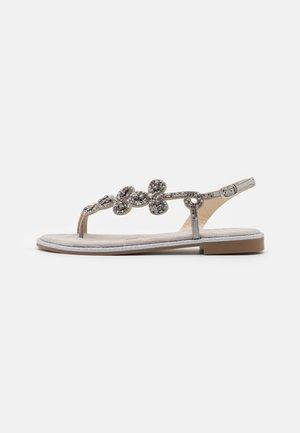 TINA - Sandalias de dedo - silver