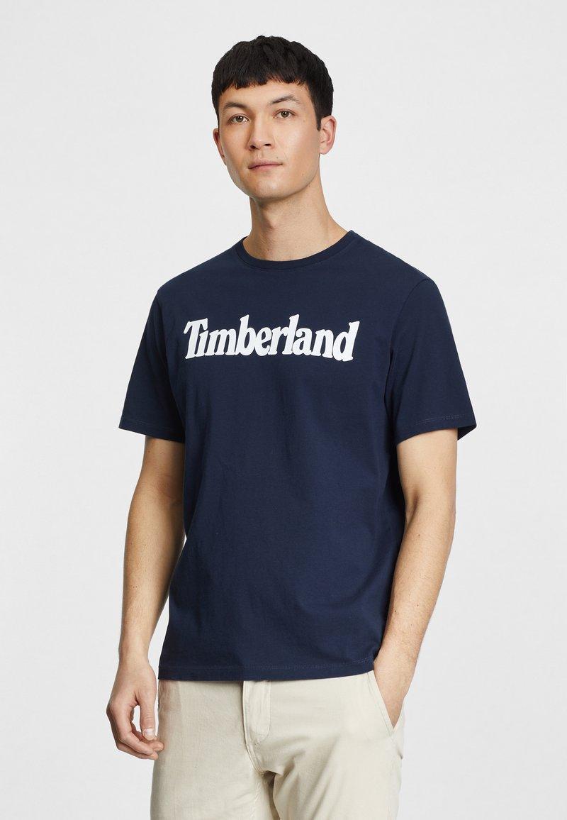 Timberland - KENNEBEC RIVER LINEAR TEE - Print T-shirt - dark sapphire