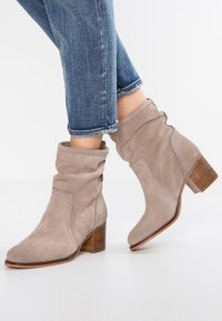 Anna Field - LEATHER BOOTIES - Støvletter - taupe - 0