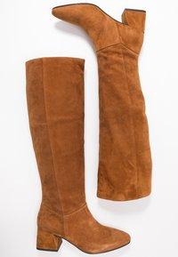 Vagabond - ALICE - Høje støvler/ Støvler - caramel - 3