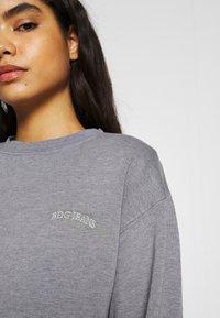 BDG Urban Outfitters - BUBBLE HEM - Sweatshirt - marlin blue - 4