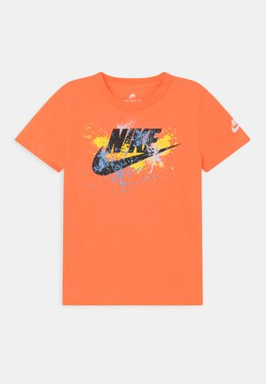 WILD RUN FUTURA  - Triko s potiskem - atomic orange