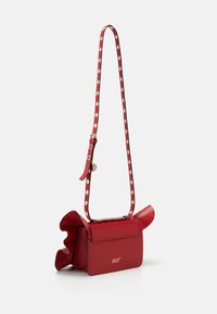 Red V - RUFFLE SHOULDER - Taška spříčným popruhem - red kiss - 1