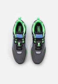 Puma - MIRAGE MOX TECH VEGAN - Sneakers - castlerock/elektro green - 5