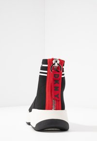 DKNY - MARINI - High-top trainers - black/white - 5