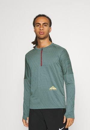TRAIL - Treningsskjorter - dark teal green