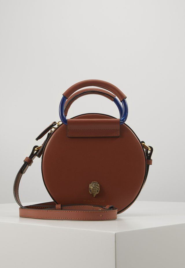 HARRIET MINI ROUND XBDY - Sac bandoulière - tan