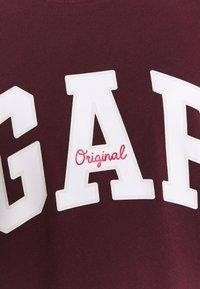 GAP - T-shirt con stampa - pinot noir - 5